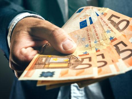 declarer-les-flux-d'argent-liquide-entre-la-france-et-l'etranger-:-comment-?